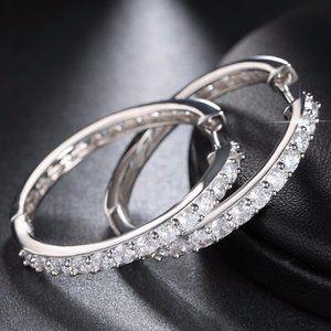 *NEW 18K White Gold 1.25'' Diamond Hoop Earrings